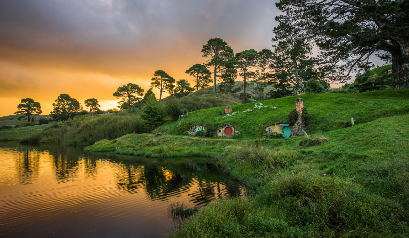 Nz Shooting Video Wallpaper: Hobbiton & Waitomo Glowworm Caves Gallery